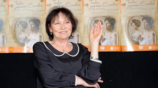 Marta Kubišová už se léčí doma.