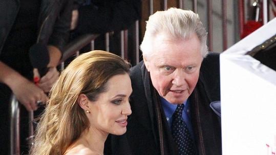 Jon Voight se svou dcerou Angelinou Jolie.