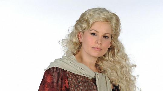 Jitka bude v Bídnících v blond paruce.
