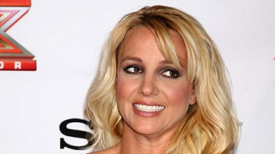 Britney Spears nejspíš brzy ztuhne úsměv,