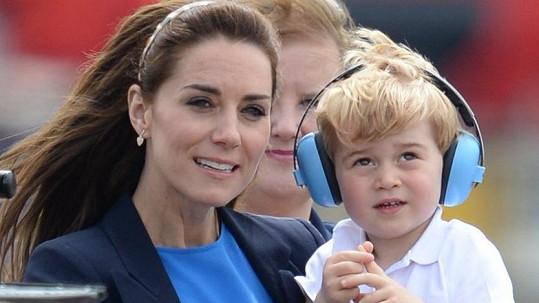Princ George na sebe strhl více pozornosti než jeho maminka Kate.