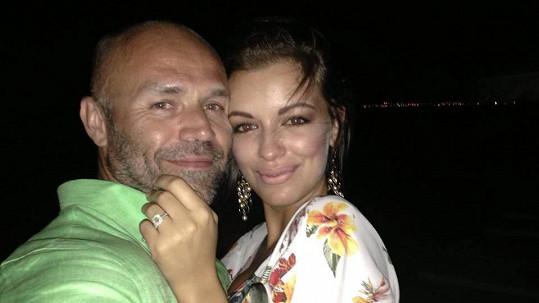 Mirek Cipra a Jitka Válková se zasnoubili.