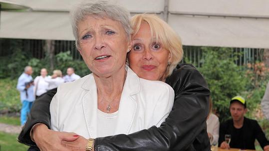 Ze setkání s Janou Štěpánkovou měla Helga Čočková radost.