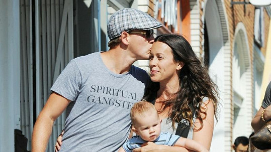 Alanis Morissette s manželem Mariem MC Souleyem a synem Ever.