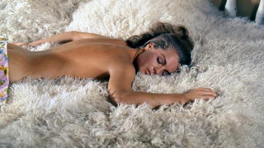 Nádherná Romy Schneider v legendárním filmu Bazén (1969).