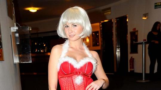 Alžběta Bartošová je v muzikálovém kostýmu pořádně sexy.