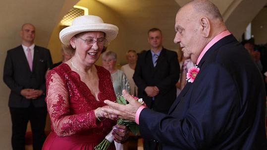 František Nedvěd a Marie Nedvědová obnovili po letech slib.