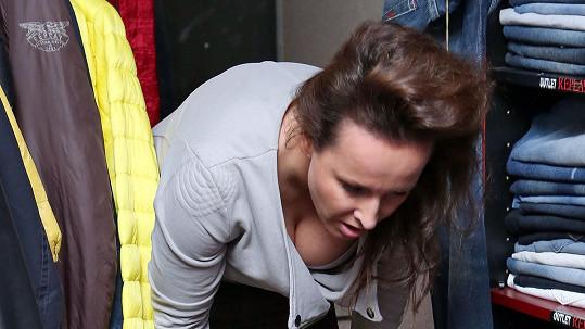 Lucie Šilhánová se pyšní přírodním poprsím.