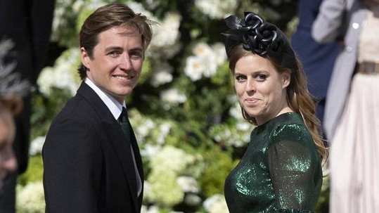 Princezna Beatrice se zasnoubila s podnikatelem v oblasti realit Edoardem Mapellim Mozzim