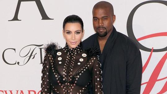 Kim Kardashian promluvila o zdravotním stavu manžela.