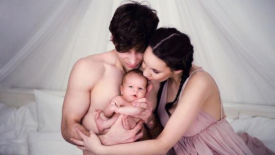 Míša Tomešová s manželem Romanem a malým Kristiánkem