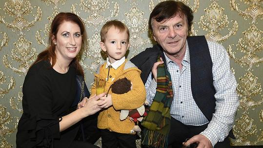 Herec se svou manželkou a synem