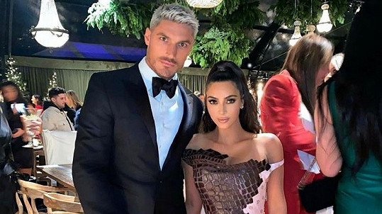 Chris Appleton s Kim Kardashian