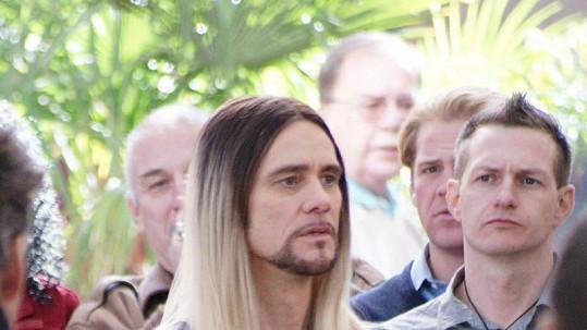 Jim Carrey je v nové roli k nepoznání.