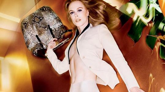 Nicole Kidman je v kampaních známého návrháře stále odvážnější.