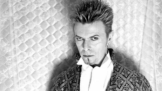 David Bowie se nově pyšní titulem Nejlépe oblékaný Brit v historii.