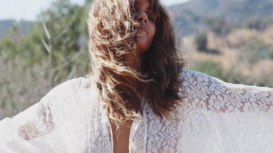 Halle Berry prý vítá padesátku s otevřenou náručí...