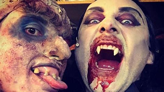 Marian Vojtko jako sexy upír se zombíkem s prořídlým a shnilým chrupem
