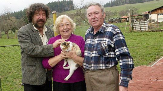 Zdeněk Troška s maminkou a tatínkem. Ten zemřel v roce 2011.
