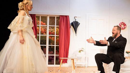 Monika Absolonová a Filip Blažek se představí ve hře Duety. Třeba jako nevěsta a její bratr.