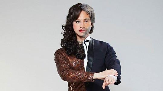 Milan Peroutka jako Sarah Brightman a Andrea Bocelli