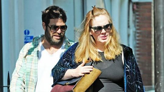 Z Adele je už kulička.