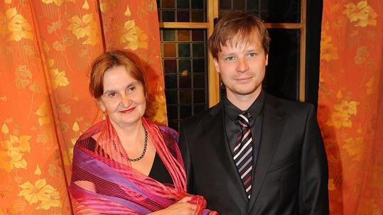 Eva Holubová a Kryštof Hádek.