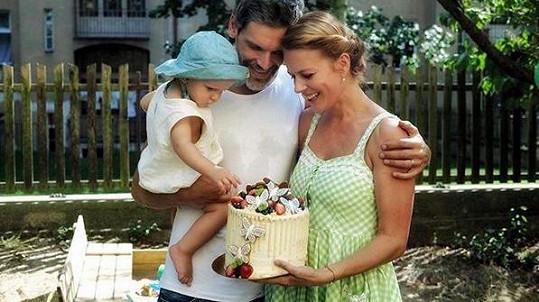 Roční narozeniny Tobiáše oslavila Andrea Růžičková s úsměvem na tváři.