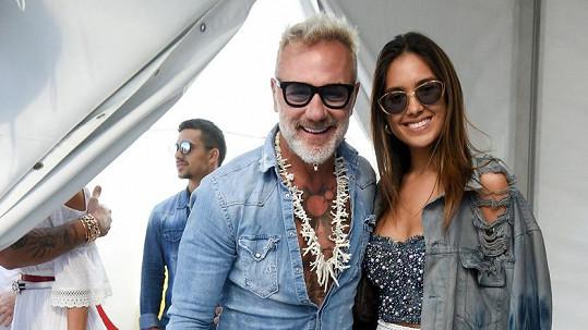 Gianluca Vacchi a Sharon Fonseca se dočkali dcery