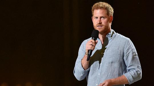 Princ Harry vystoupil na charitativním koncertu.