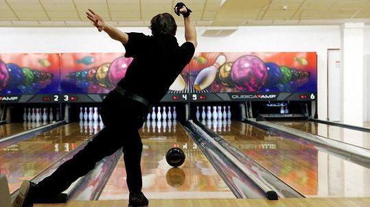 Bowling se občas zvrtne... (ilustrační foto)