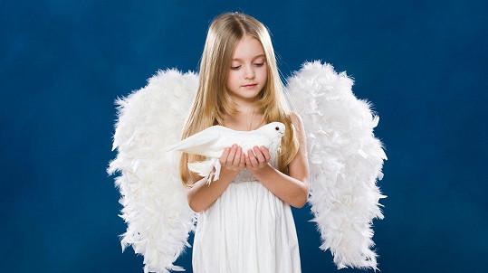 Nenechte se oklamat, některé holčičky nejsou žádní andílci... Ilustrační foto