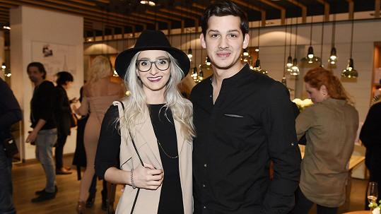 Martin Čermák s přítelkyní Karolínou