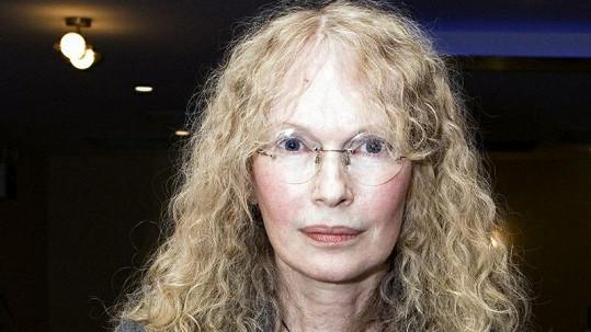 Mia Farrow se osobně vložila do případu mladého chlapce s HIV.