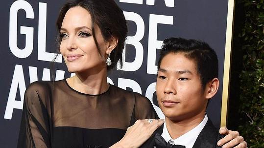 Angelina Jolie se synem Paxem