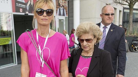 Daniela Peštová s paní Boženou, maminkou Pavola Habery