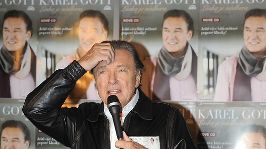 Karla Gotta trápí chování Richarda Krajča.
