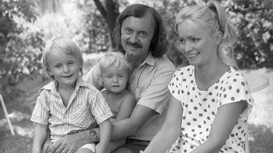 František Janeček s rodinou před 36 lety