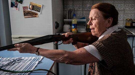 Iva Janžurová se v nové roli musí naučit střílet.