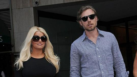 Jessica Simpson se svým snoubencem.