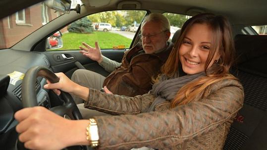 Monika Bagárová při závěrečných zkouškách neztrácela úsměv na rtech.