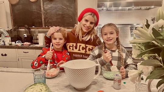 Jessica Simpson s dětmi Maxwell a Acem
