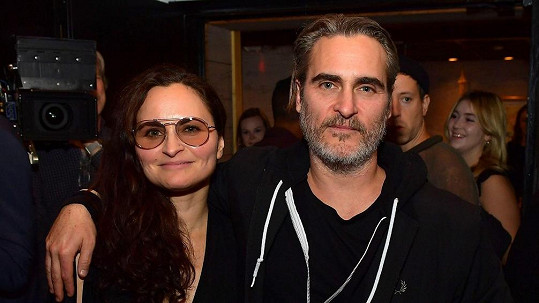Joaquin Phoenix se sestrou Rain