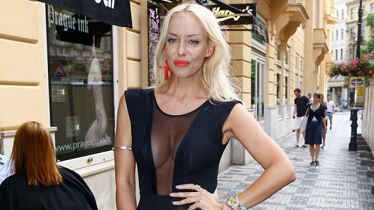 Kateřina Mátlová je single.