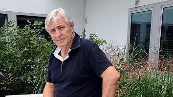 Karel Heřmánek si svou novou roli užívá.