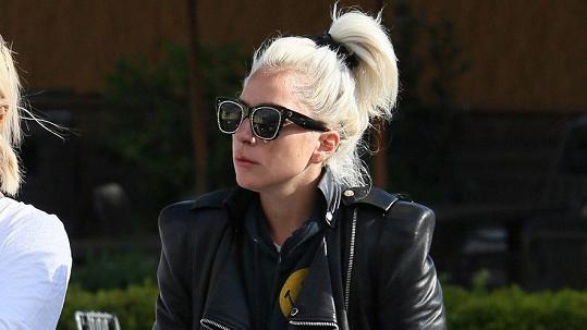 Tohle fanoušci Lady Gaga nejspíš nečekali.