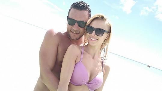 Michal s přítelkyní Karolínou