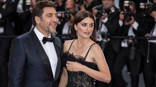 Slavní manželé zahájili festival v Cannes.