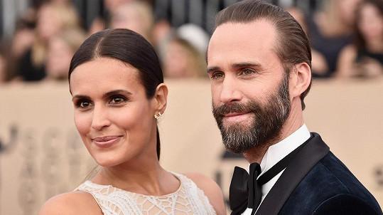 Joseph Fiennes vzal na udílení SAG Awards manželku.