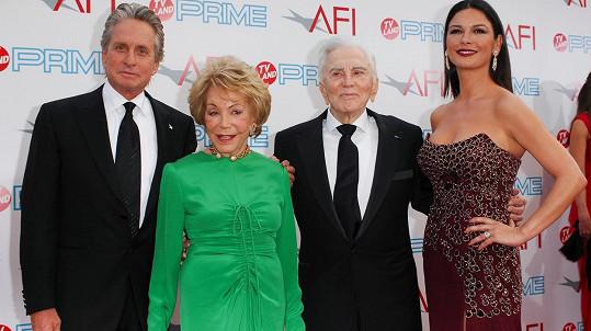 Zleva: Michael, Anne, Kirk a Catherine Zeta-Jones